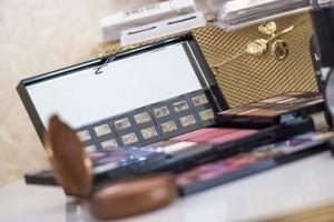 makeup-564930_960_720